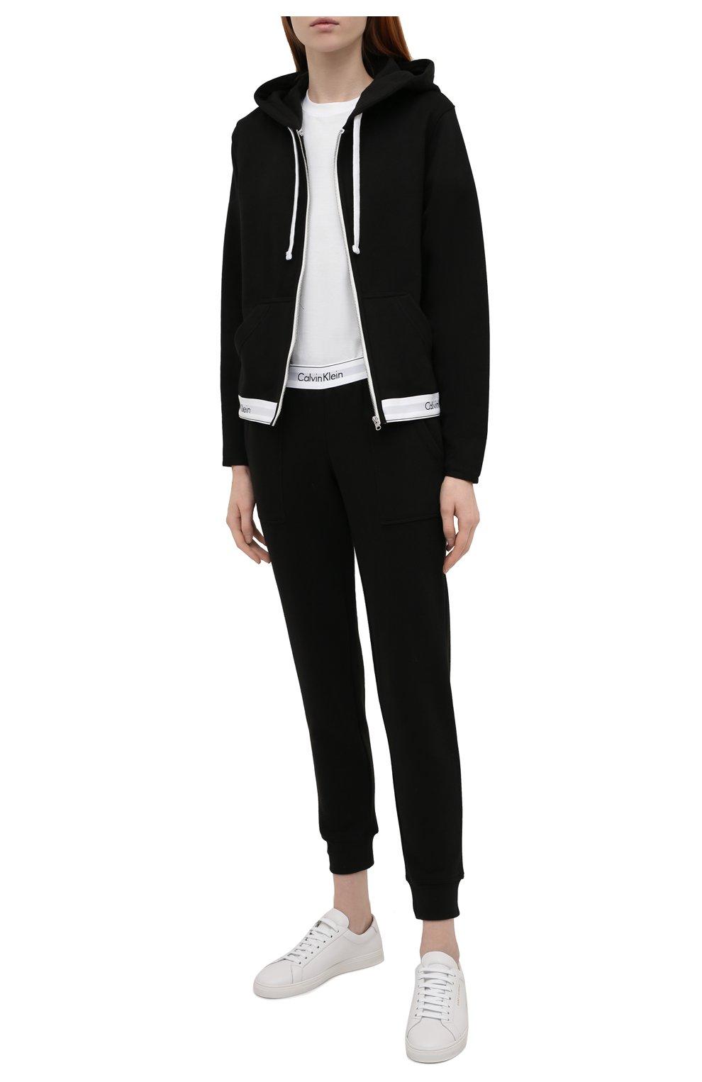 Женские хлопковые брюки CALVIN KLEIN черного цвета, арт. QS5716E | Фото 2
