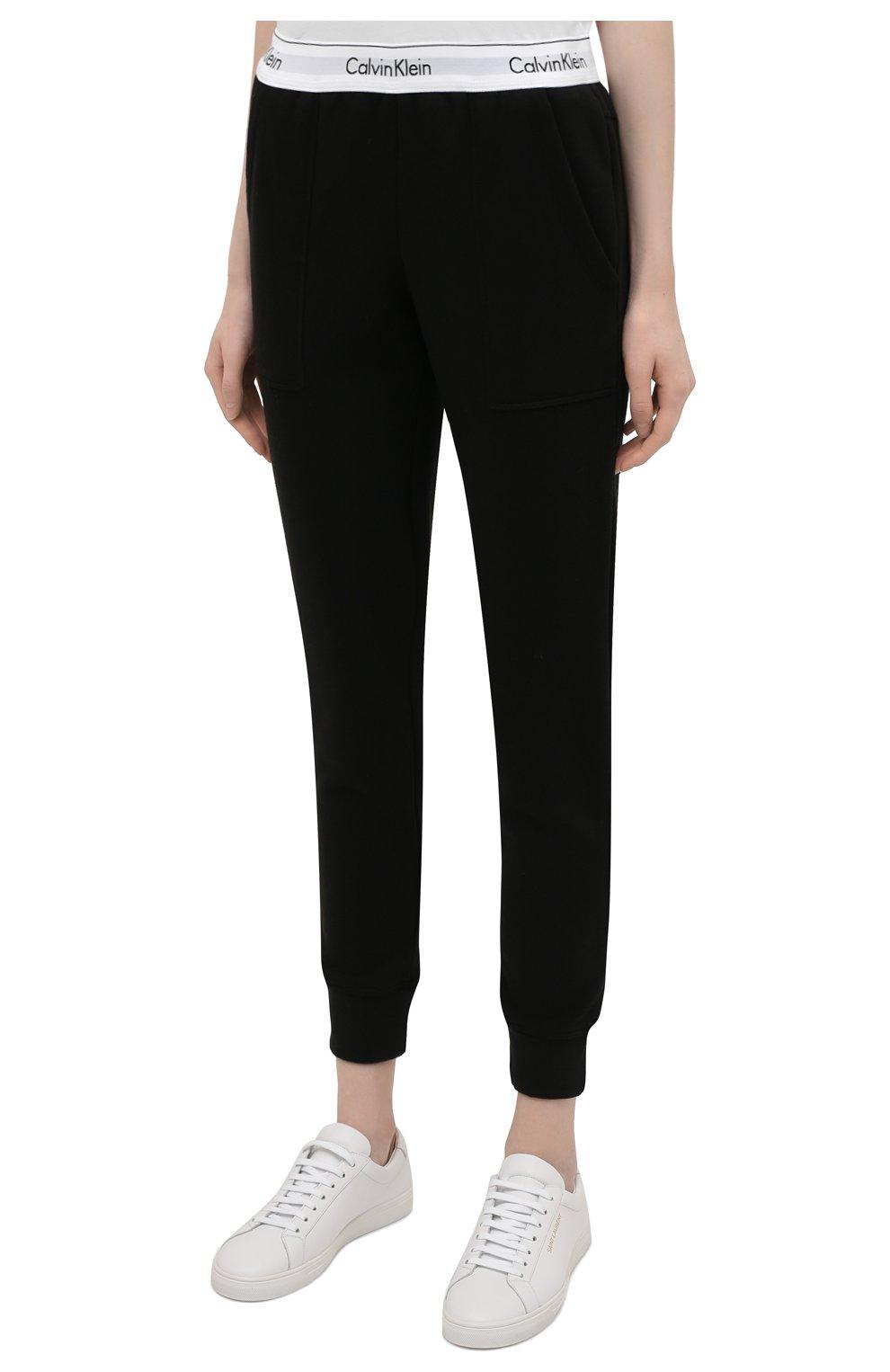 Женские хлопковые брюки CALVIN KLEIN черного цвета, арт. QS5716E | Фото 3