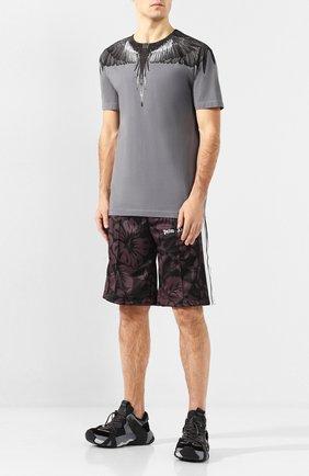 Мужская хлопковая футболка MARCELO BURLON серого цвета, арт. CMAA018R20JER006 | Фото 2 (Материал внешний: Хлопок; Длина (для топов): Стандартные; Рукава: Короткие; Статус проверки: Проверена категория; Принт: С принтом; Стили: Кэжуэл)