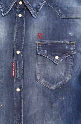 Мужская джинсовая рубашка DSQUARED2 синего цвета, арт. S74DM0392/S30341 | Фото 5 (Воротник: Кент; Рукава: Длинные; Манжеты: На кнопках; Кросс-КТ: Деним; Случай: Повседневный; Длина (для топов): Стандартные; Принт: С принтом; Материал внешний: Хлопок, Деним; Мужское Кросс-КТ: Рубашка-одежда; Статус проверки: Проверена категория)