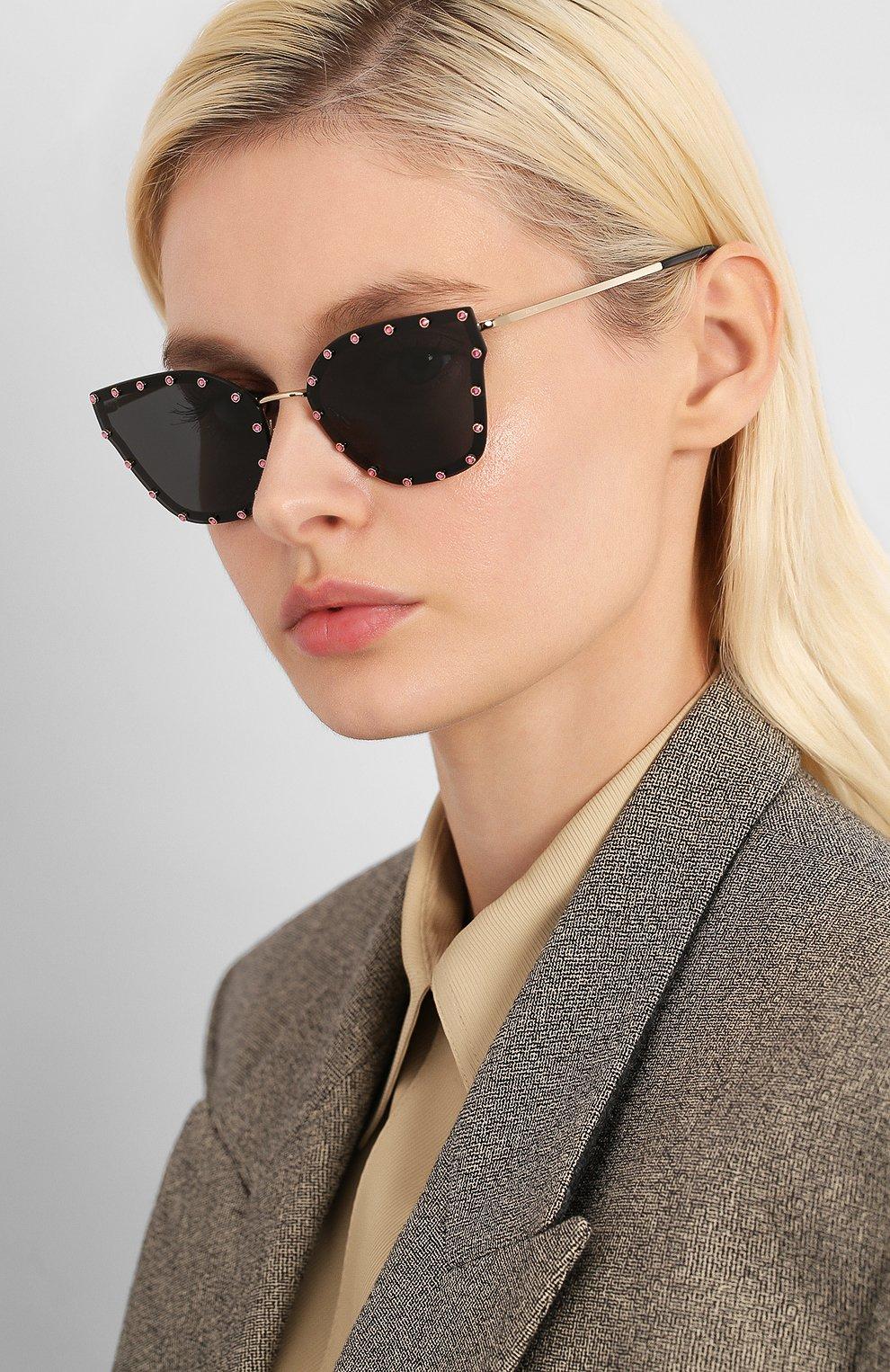 Женские солнцезащитные очки VALENTINO черного цвета, арт. 2028-300387 | Фото 2