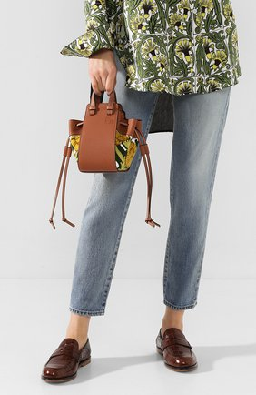 Женская сумка hammock floral mini LOEWE желтого цвета, арт. 303.30.V07   Фото 2