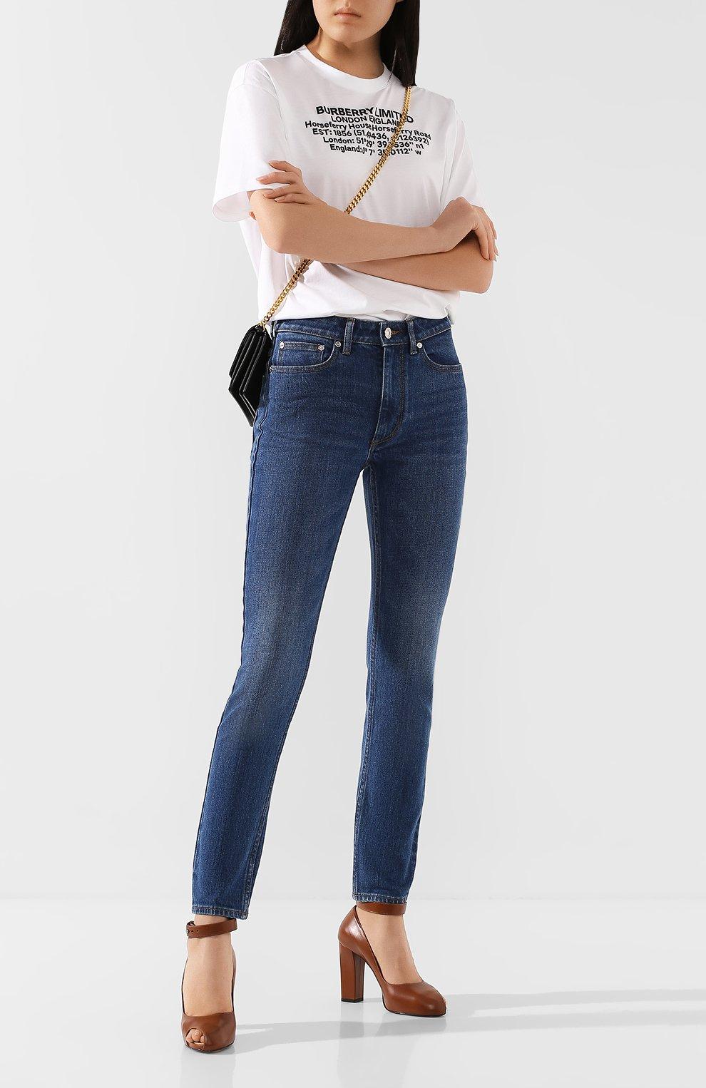 Женские джинсы BURBERRY темно-синего цвета, арт. 8025576 | Фото 2