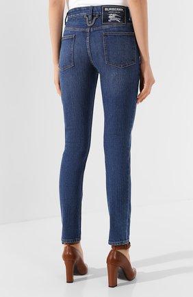 Женские джинсы BURBERRY темно-синего цвета, арт. 8025576 | Фото 4
