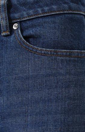 Женские джинсы BURBERRY темно-синего цвета, арт. 8025576 | Фото 5