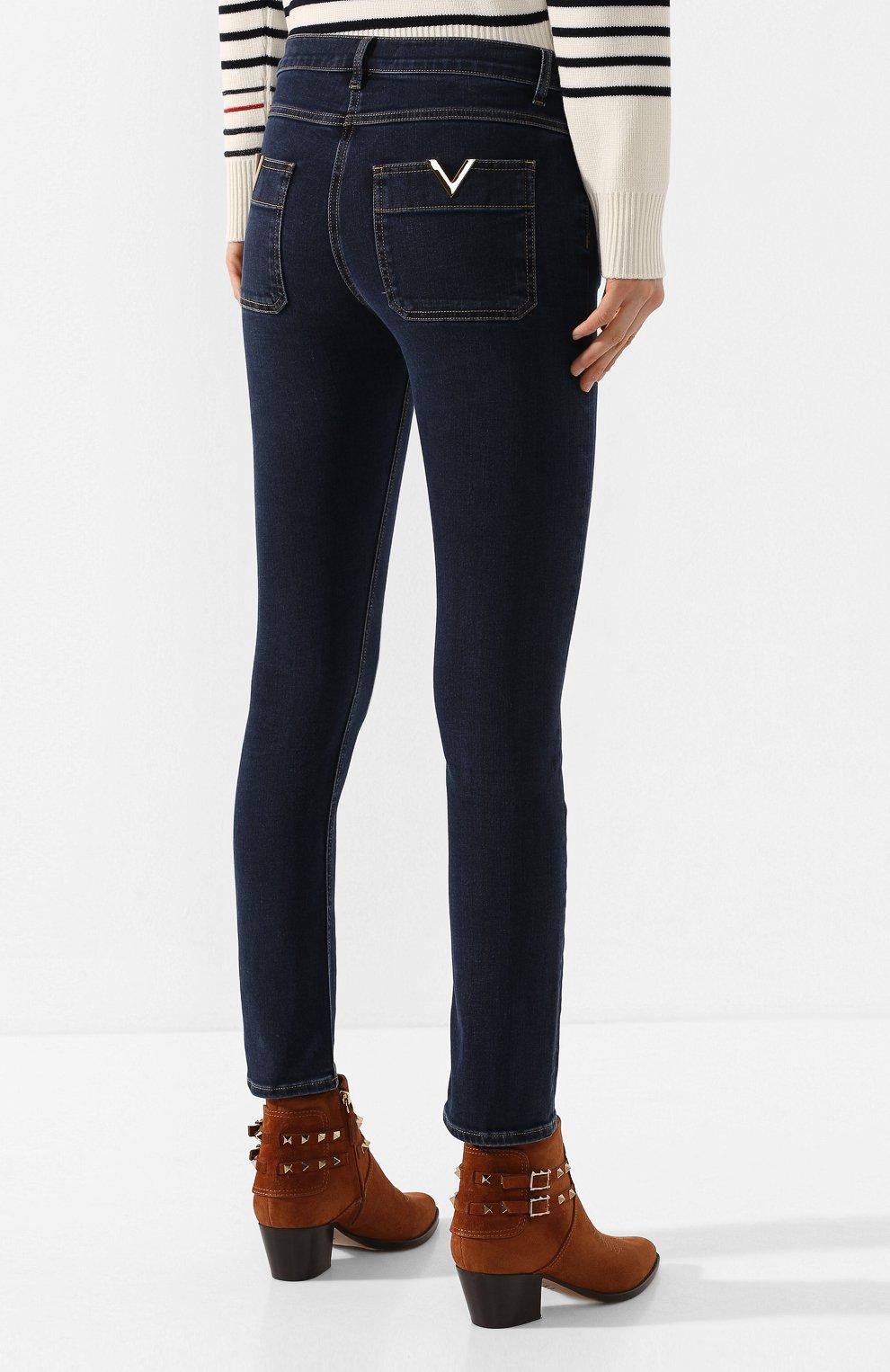 Женские джинсы VALENTINO синего цвета, арт. TB3DD09F55A | Фото 4