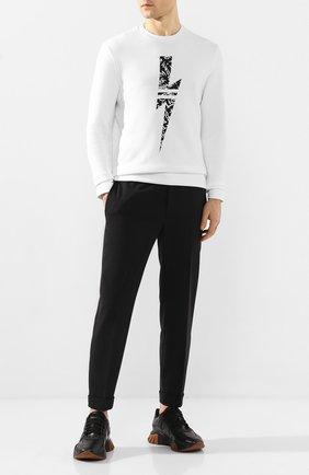 Мужской брюки NEIL BARRETT черного цвета, арт. PBPA635/N028 | Фото 2