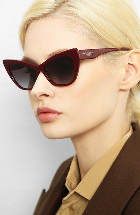 Женские солнцезащитные очки DOLCE & GABBANA бордового цвета, арт. 4370-30918G | Фото 2 (Статус проверки: Проверена категория; Тип очков: С/з; Очки форма: Cat-eye; Оптика Гендер: оптика-женское)