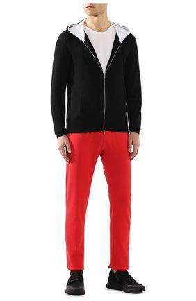Мужские хлопковые брюки KITON красного цвета, арт. UK1051 | Фото 2 (Материал внешний: Хлопок; Мужское Кросс-КТ: Брюки-трикотаж; Случай: Повседневный; Длина (брюки, джинсы): Стандартные)