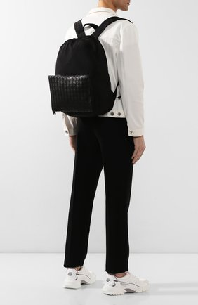 Мужской комбинированный рюкзак BOTTEGA VENETA черного цвета, арт. 609854/VCQG1 | Фото 2