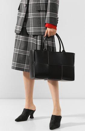 Женская сумка-тоут arco BOTTEGA VENETA черного цвета, арт. 609175/VMAY3 | Фото 2