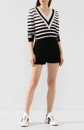 Женские джинсовые шорты VALENTINO черного цвета, арт. TB3DD09P608 | Фото 2
