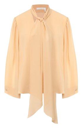 Женская шелковая блузка CHLOÉ бежевого цвета, арт. CHC20SHT37002 | Фото 1 (Рукава: Длинные; Материал внешний: Шелк; Длина (для топов): Стандартные; Принт: Без принта; Женское Кросс-КТ: Блуза-одежда; Статус проверки: Проверена категория)