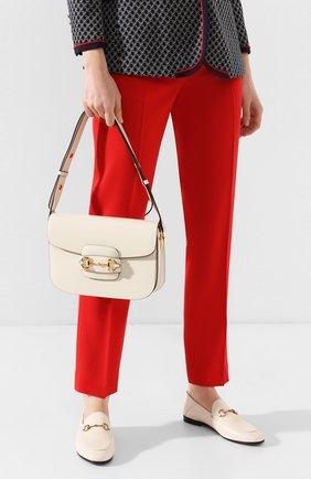 Женская сумка 1955 horsebit GUCCI белого цвета, арт. 602204/1DB0G   Фото 2 (Материал: Натуральная кожа; Сумки-технические: Сумки через плечо; Размер: medium)