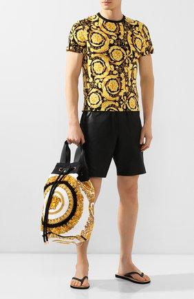 Мужская текстильная пляжная сумка VERSACE золотого цвета, арт. ZBAG00001/ZC0SP107 | Фото 2