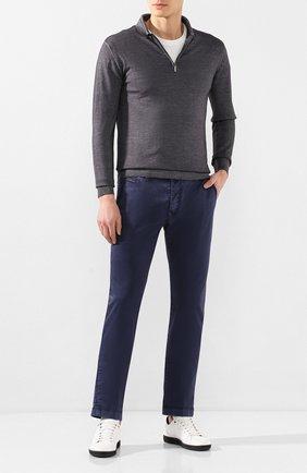Мужские хлопковые брюки JACOB COHEN синего цвета, арт. B0BBY C0MF 08165-B/53 | Фото 2 (Материал внешний: Хлопок; Длина (брюки, джинсы): Стандартные; Силуэт М (брюки): Чиносы; Случай: Повседневный; Стили: Кэжуэл)