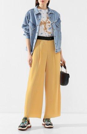 Женские брюки AKIRA NAKA желтого цвета, арт. AR2042-YE | Фото 2
