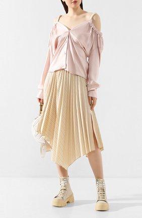 Женская блузка ACT N1 розового цвета, арт. RT2014   Фото 2 (Рукава: Длинные; Материал внешний: Синтетический материал; Принт: Без принта; Женское Кросс-КТ: Блуза-одежда; Длина (для топов): Стандартные)