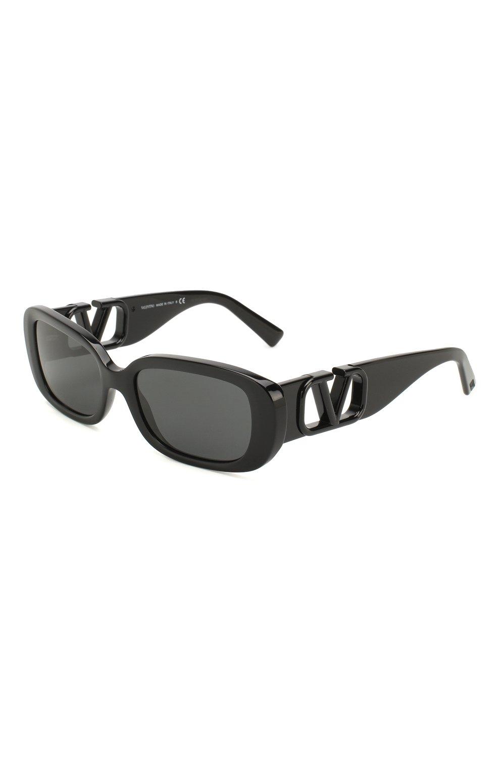 Женские солнцезащитные очки VALENTINO черного цвета, арт. 4067-500187 | Фото 1