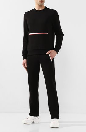 Мужской хлопковые брюки MONCLER черного цвета, арт. F1-091-8H705-00-V8130 | Фото 2