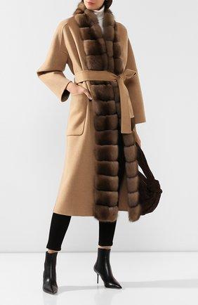 Женское пальто с меховой отделкой KITON бежевого цвета, арт. D48640DX04R72   Фото 2