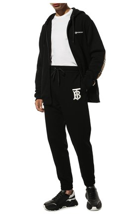 Мужские хлопковые джоггеры BURBERRY черного цвета, арт. 8024607 | Фото 2