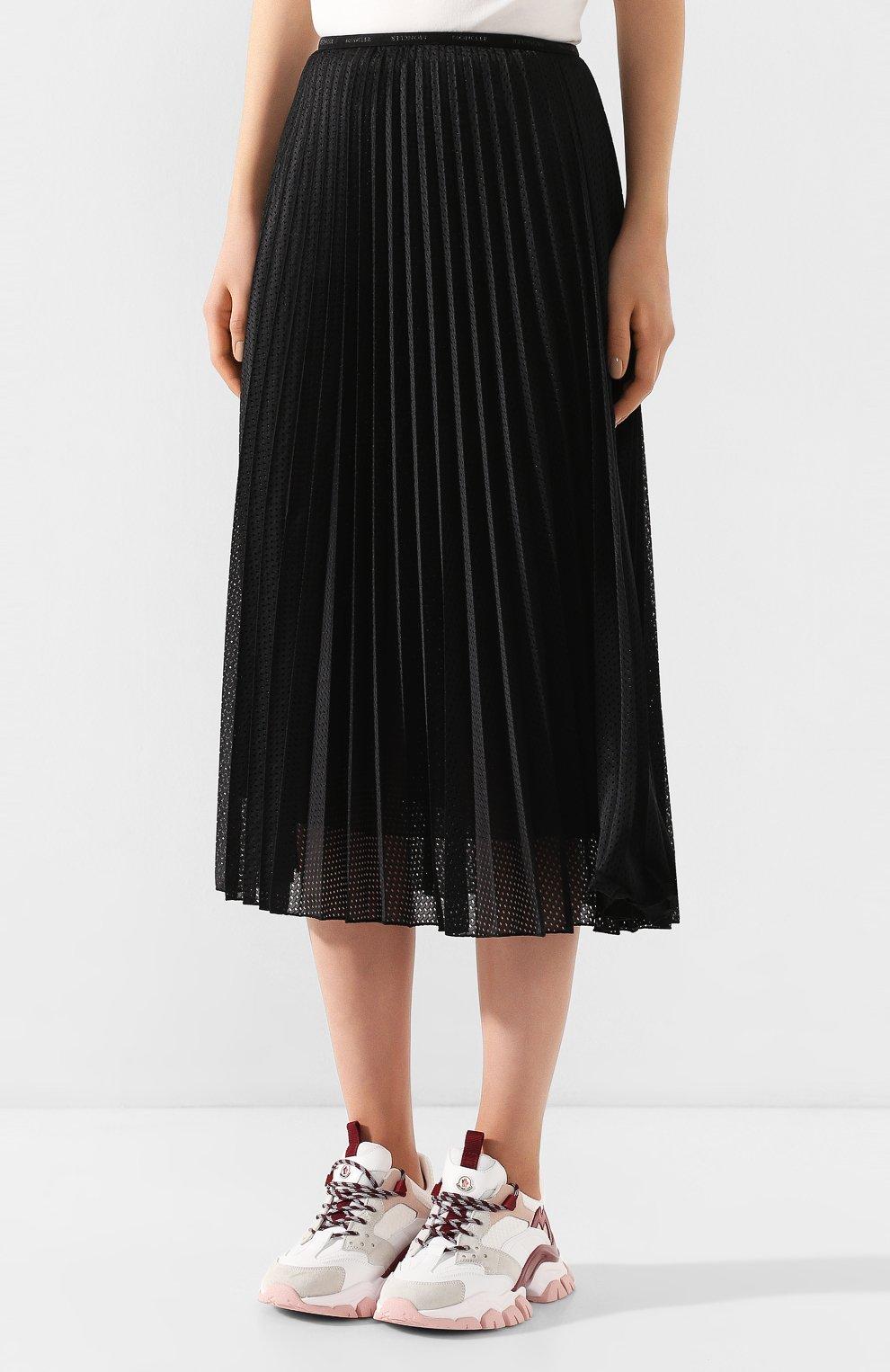 Женская юбка с перфорированием MONCLER черного цвета, арт. F1-093-2D711-00-54A39 | Фото 3