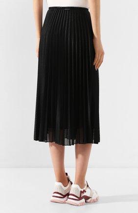Женская юбка с перфорированием MONCLER черного цвета, арт. F1-093-2D711-00-54A39 | Фото 4
