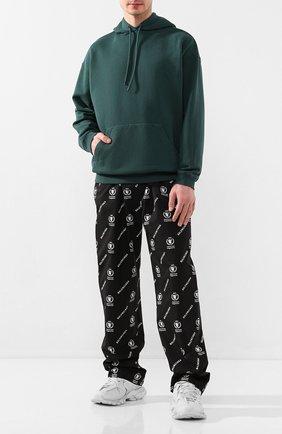 Мужской хлопковые брюки BALENCIAGA черного цвета, арт. 615295/TIL25 | Фото 2