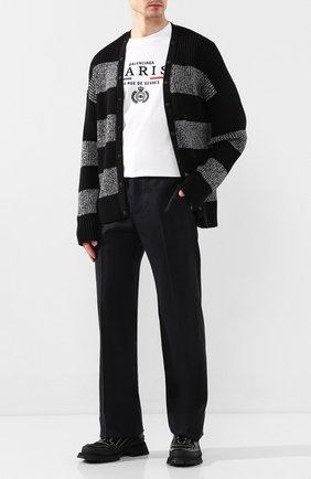 Мужской шерстяные брюки BALENCIAGA темно-синего цвета, арт. 601181/TGT01 | Фото 2