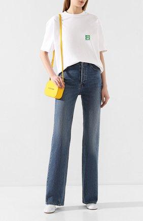Женские джинсы BALENCIAGA синего цвета, арт. 594390/TDW14 | Фото 2