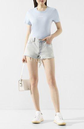 Женские джинсовые шорты OFF-WHITE голубого цвета, арт. 0WYC002R207730687100 | Фото 2