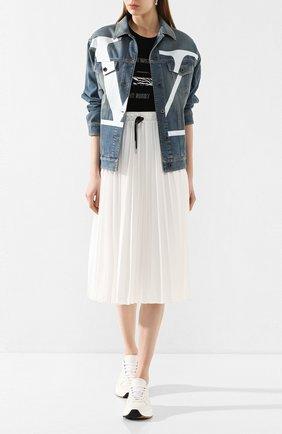Женская джинсовая куртка VALENTINO синего цвета, арт. TB3DC01G4BD | Фото 2