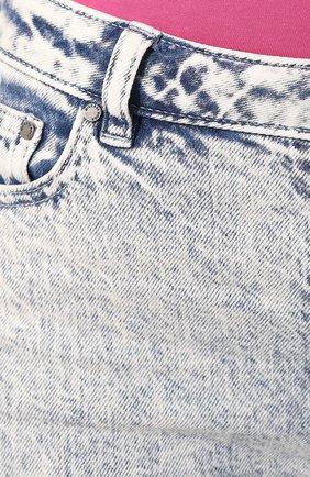 Женские джинсы MICHAEL MICHAEL KORS голубого цвета, арт. MH99CSKD8D | Фото 5