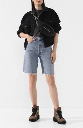 Женские джинсовые шорты AGOLDE голубого цвета, арт. A089-1141 | Фото 2 (Материал внешний: Хлопок, Деним; Стили: Кэжуэл; Женское Кросс-КТ: Шорты-одежда; Длина Ж (юбки, платья, шорты): До колена; Кросс-КТ: Деним)