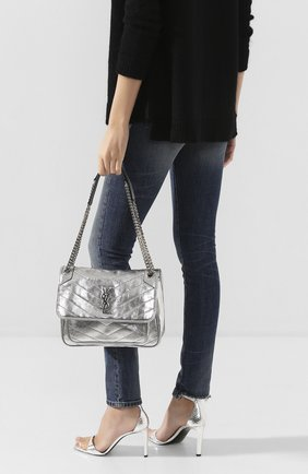 Женская сумка niki medium SAINT LAURENT серебряного цвета, арт. 575055/1Q302 | Фото 2