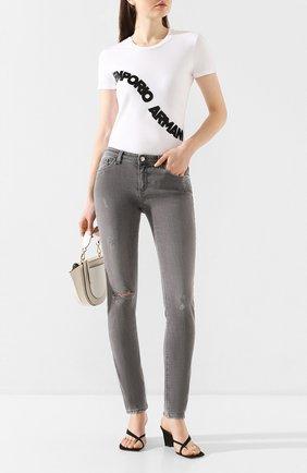 Женские джинсы EMPORIO ARMANI серого цвета, арт. 3H2J28/2D8GZ | Фото 2