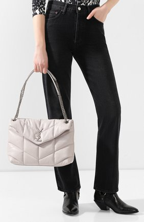 Женская сумка puffer loulou medium  SAINT LAURENT светло-серого цвета, арт. 577475/1EL00 | Фото 2