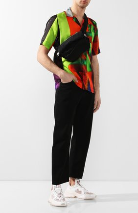 Мужская текстильная поясная сумка BOTTEGA VENETA черного цвета, арт. 619053/VCQ21 | Фото 2