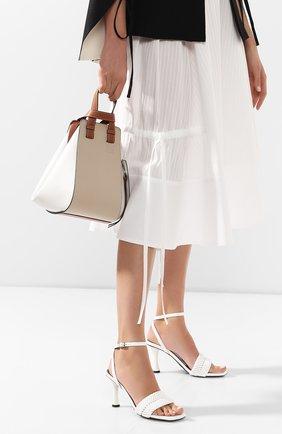 Женская сумка hammock small LOEWE белого цвета, арт. 326.30KS35   Фото 2