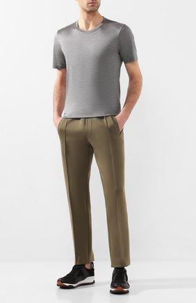Мужская шелковая футболка ANDREA CAMPAGNA серого цвета, арт. 60133/78301 | Фото 2 (Мужское Кросс-КТ: Футболка-одежда; Рукава: Короткие; Принт: Без принта; Материал внешний: Шелк; Длина (для топов): Стандартные; Стили: Кэжуэл)