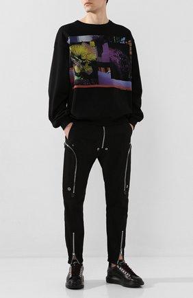 Мужские кожаные кеды ALEXANDER MCQUEEN черного цвета, арт. 604248/WHRWA | Фото 2