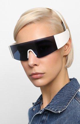 Женские солнцезащитные очки KENZO белого цвета, арт. KZ40064I 21V | Фото 2 (Тип очков: С/з; Оптика Гендер: оптика-унисекс; Очки форма: Маска)