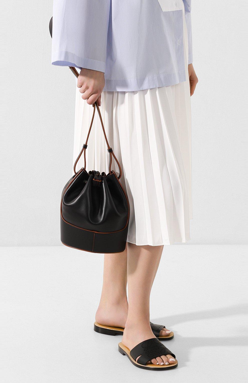Женская сумка balloon small LOEWE черного цвета, арт. 326.75AC31   Фото 2 (Сумки-технические: Сумки через плечо; Материал: Натуральная кожа; Ремень/цепочка: На ремешке; Размер: small)