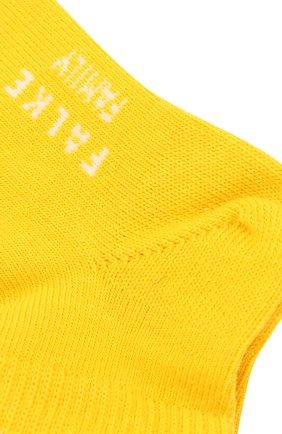 Детские хлопковые носки FALKE желтого цвета, арт. 10631 | Фото 2