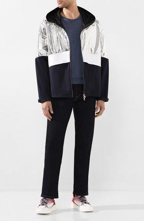 Мужская куртка MONCLER серебряного цвета, арт. F1-091-1B706-00-54AGT | Фото 2