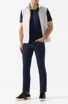 Мужская шелковая футболка ANDREA CAMPAGNA темно-синего цвета, арт. 60133/78301 | Фото 2 (Рукава: Короткие; Мужское Кросс-КТ: Футболка-одежда; Принт: Без принта; Материал внешний: Шелк; Длина (для топов): Стандартные; Стили: Кэжуэл)