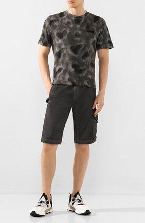 Мужские хлопковые шорты C.P. COMPANY темно-серого цвета, арт. 08CMBE241A-005694S | Фото 2