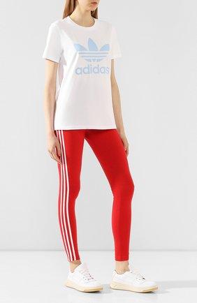 Женские леггинсы ADIDAS ORIGINALS красного цвета, арт. FM3283 | Фото 2