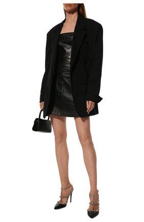 Женские кожаные туфли rockstud VALENTINO черного цвета, арт. TW0S0393/V0D | Фото 2 (Подошва: Плоская; Материал внутренний: Натуральная кожа; Каблук высота: Высокий; Каблук тип: Шпилька)